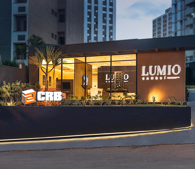 Stand Lumio